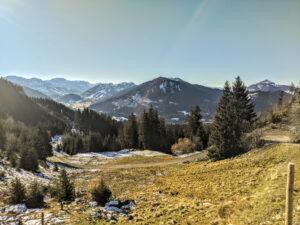 Aussicht vom Weg auf den Gipfel